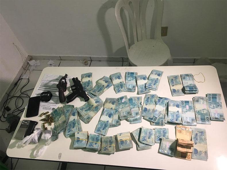 Dinheiro Roubado (Foto: Divulgação Polícia)
