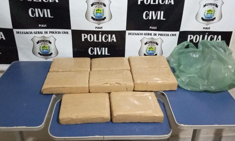 Polícia apreende mais de 9 kg de droga na PI 245