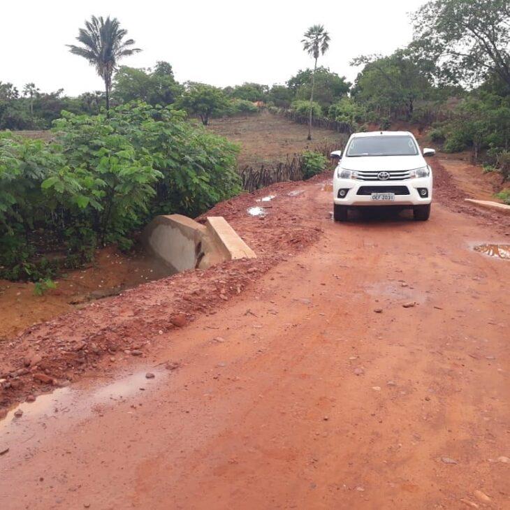 Nivelamento da estrada garante o acesso à comunidade Canto Fazenda do Frade (Foto: Reprodução)