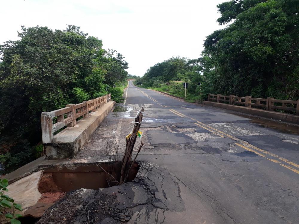 Ponte sobre o Riacho Talhada em Oeiras (Foto: Oeiras em Foco)