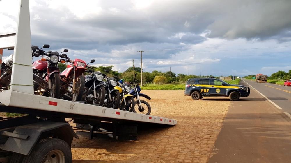 Operação da PRF em Oeiras, Campo Maior e Água Branca apreende mais de 100 veículos