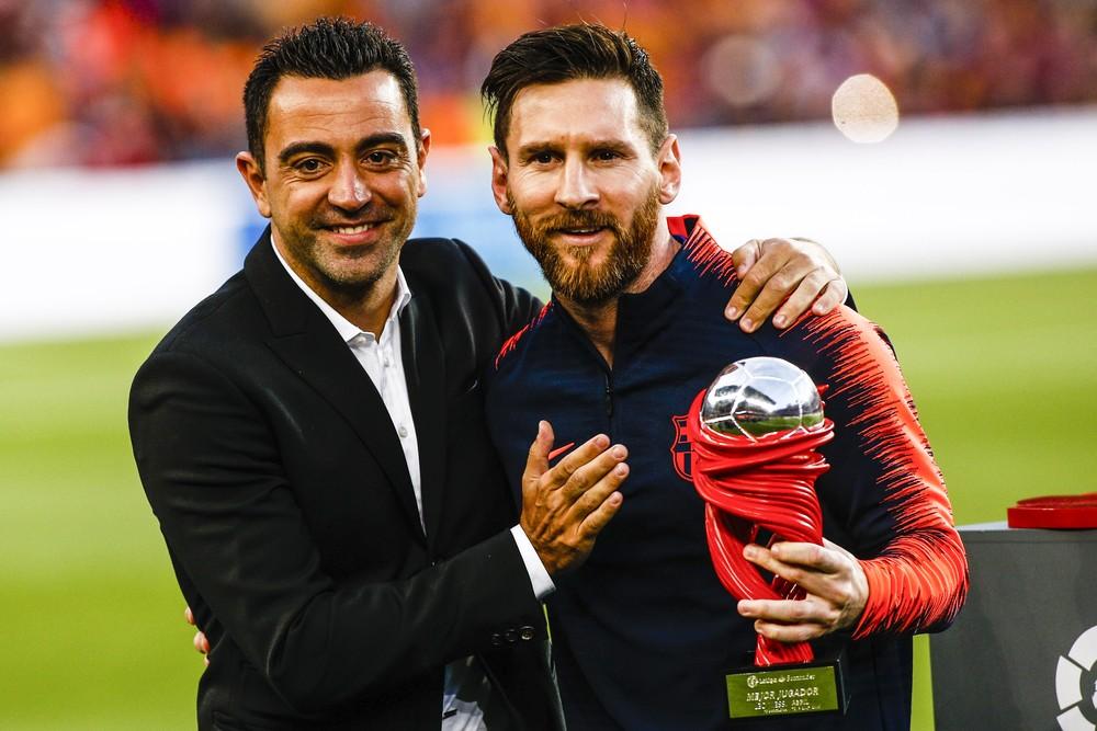 Xavi diz que Messi é o melhor jogador de todos