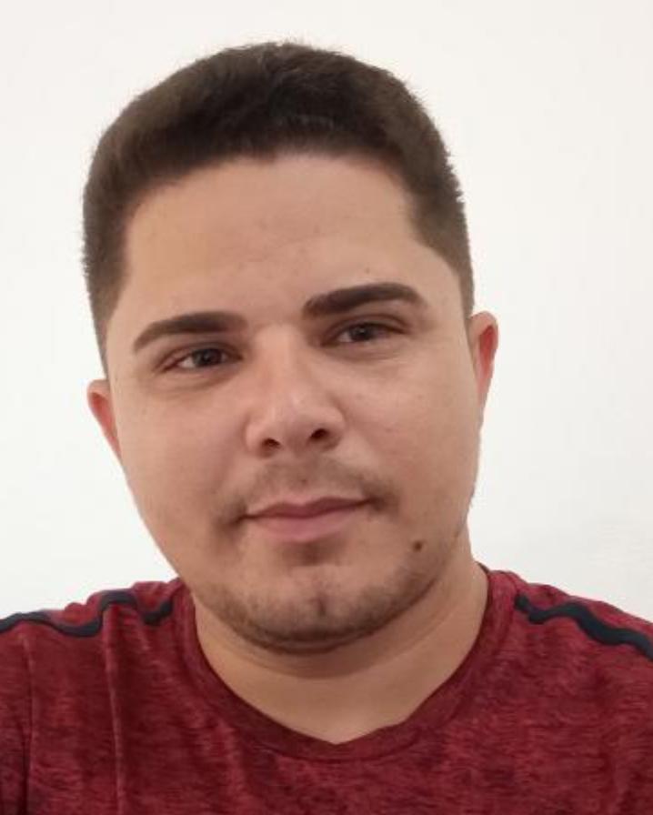 Jornalista e Editor Pablo Carvalho e afastado do trabalho por sintomas semelhantes ao Covid-19