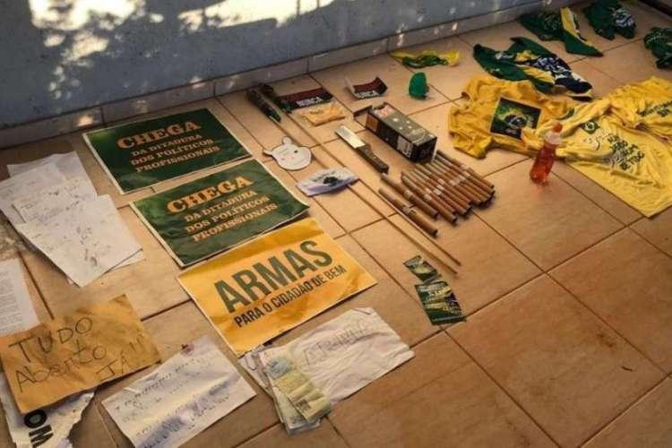 Grupos bolsonaristas usavam chácara no DF para reunião e treino paramilita