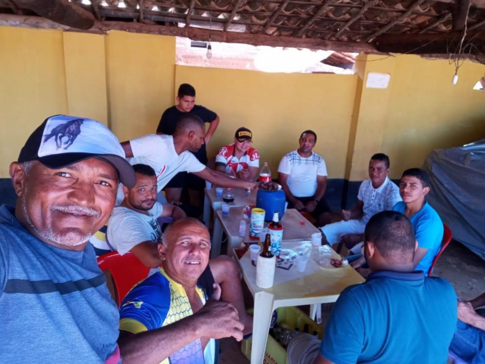 Vereador de Oeiras participa de aglomeração na zona rural e diz que se equivocou