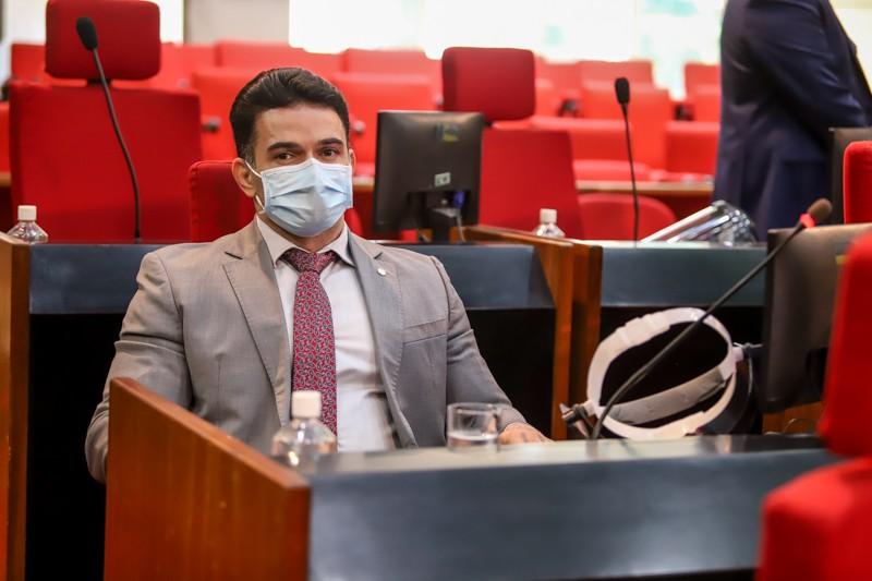 Bessah apresenta requerimento solicitando informações sobre pacientes que morreram no HRDC
