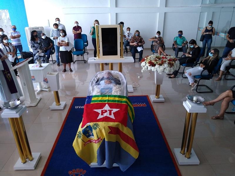 Autoridades prestam últimas homenagens ao deputado Assis Carvalho em Oeiras