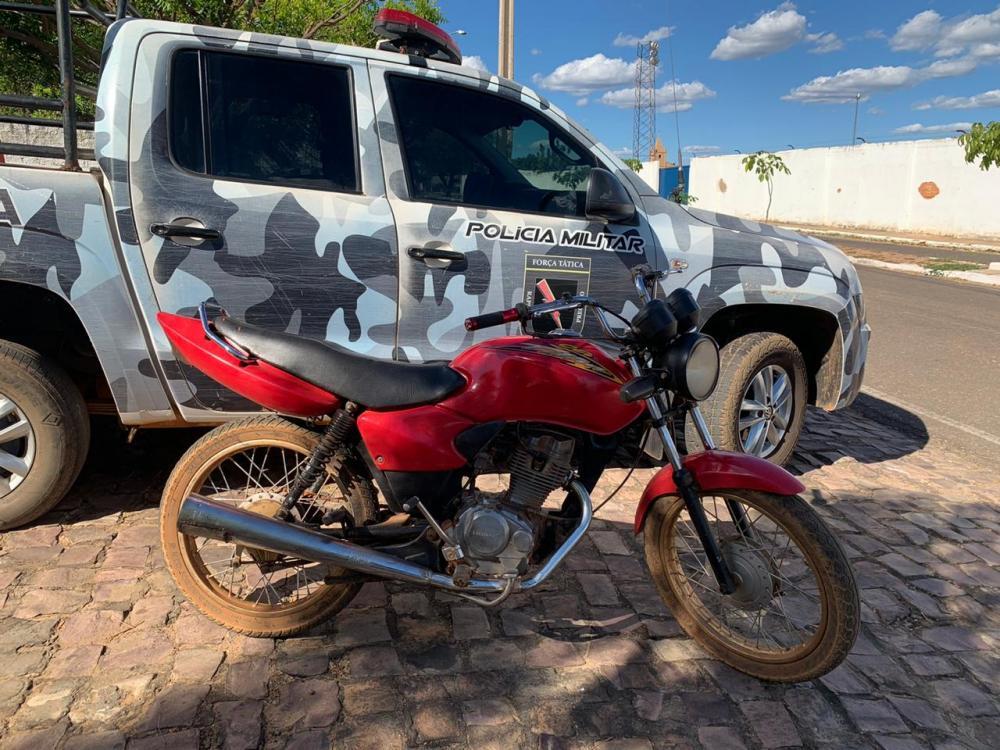Polícia Militar apreende moto proveniente de furto em Oeiras