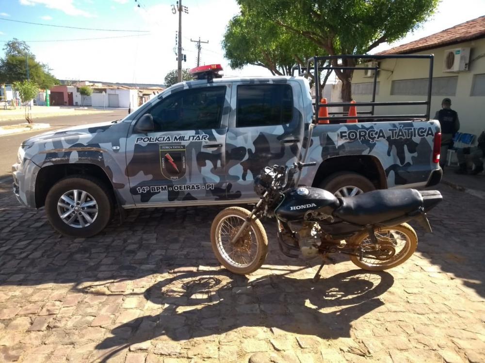Moto apreendida (Foto: Divulgação Polícia Militar)