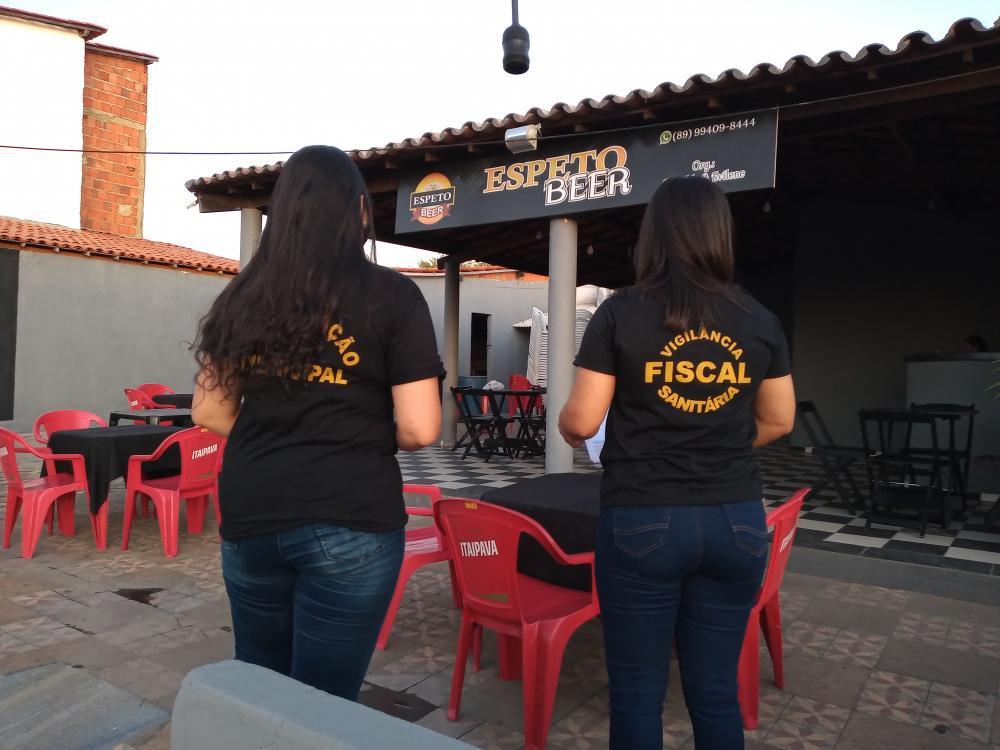 Cheios de expectativas Bares e restaurantes reabrem em Oeiras; Vigilância Fiscaliza