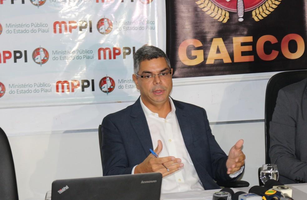 Promotor pede para Aldemar Neto criar Brigada de Combate a Incêndios